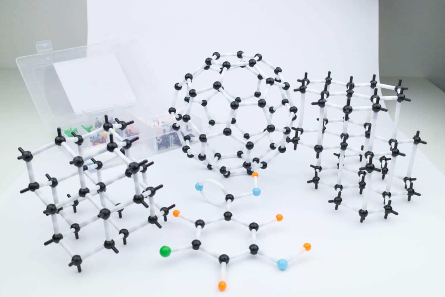 Organic Chemistry Molecular Model Kit 620 Parts Overview